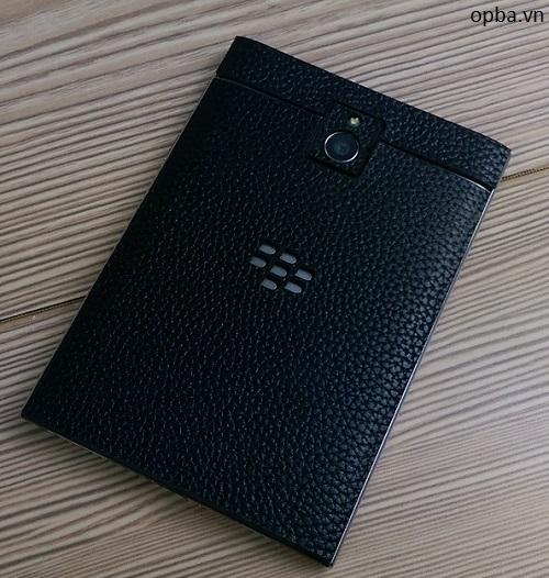 Dán da IONE Blackberry passport 100% da bò màu đen bảo hành 1 năm
